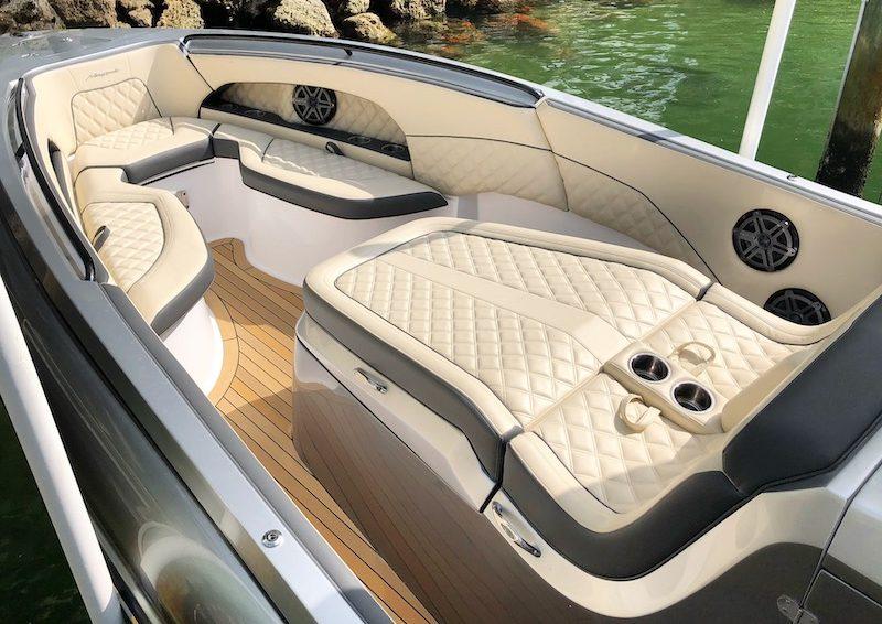 renegade 2019 33' open boats